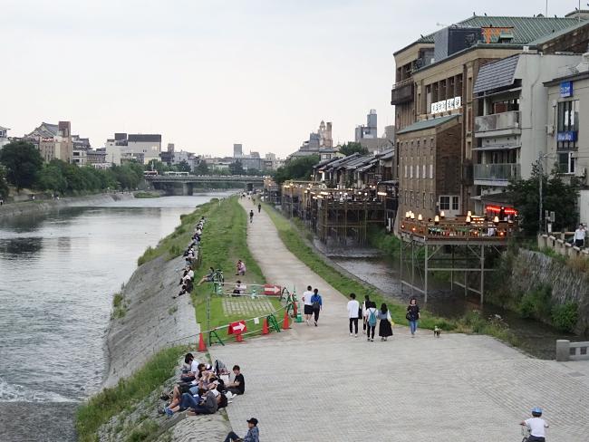 京都、京阪三条、鴨川
