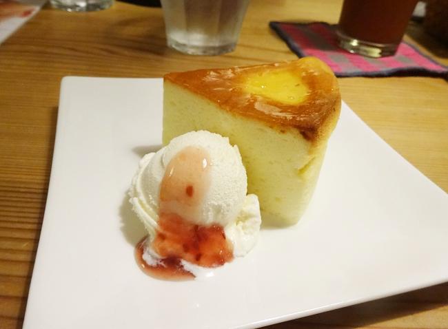 京都のドッグカフェ、cafe soraのチーズケーキセット