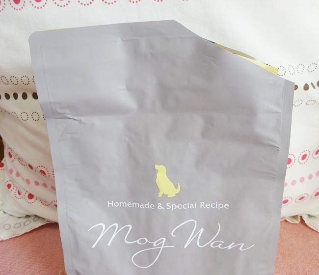 モグワンの袋がジップタイプではない