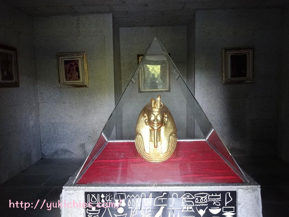 ツタンカーメン王のレプリカ