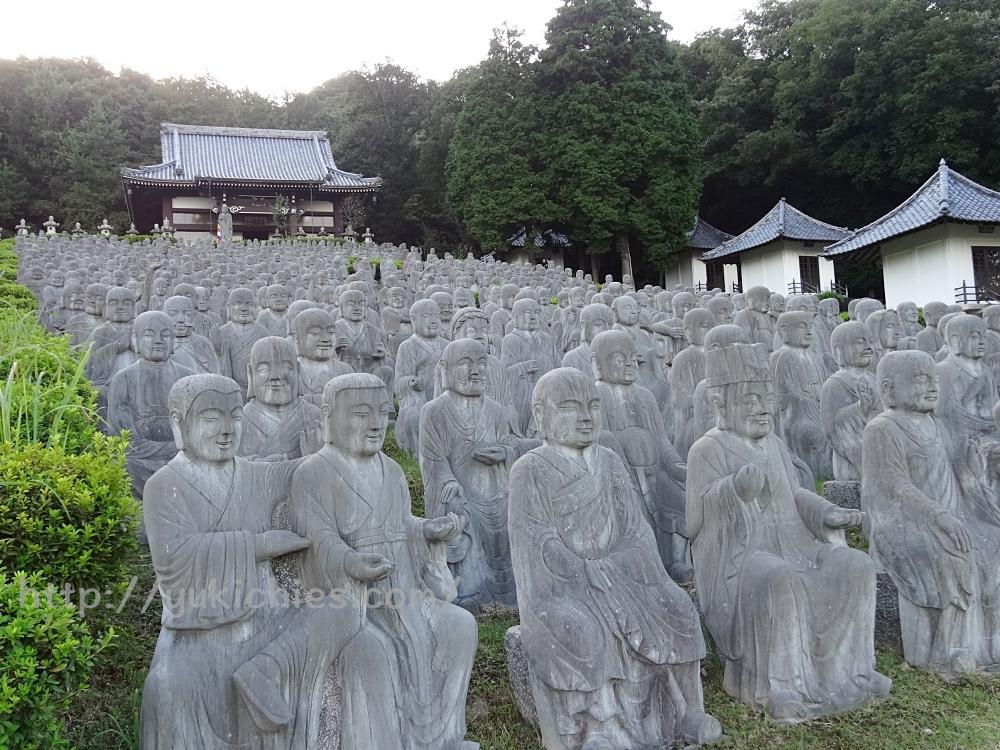 兵庫県姫路市にある鶏足寺と五百羅漢